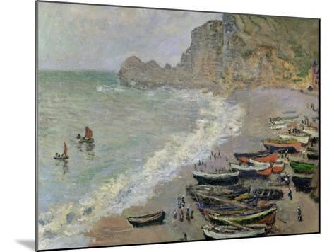 Etretat, Beach and the Porte D'Amont, 1883-Claude Monet-Mounted Giclee Print