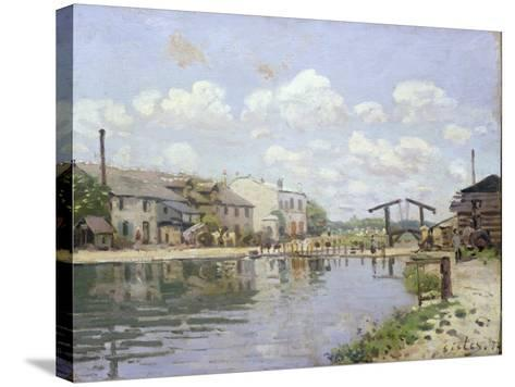 The Canal Saint-Martin, Paris, 1872-Alfred Sisley-Stretched Canvas Print