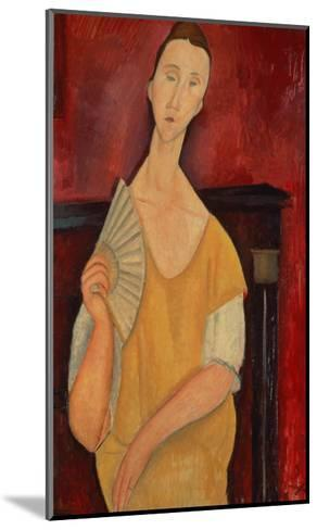 Woman with a Fan (Lunia Czechowska) 1919-Amedeo Modigliani-Mounted Giclee Print