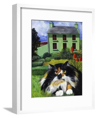 Persian Cat in Ireland (Chat Persan En Irland)-Isy Ochoa-Framed Art Print