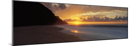 Kalalau Beach, Hawaii, USA--Mounted Photographic Print