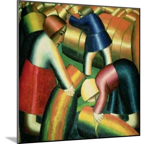 Taking in the Rye, 1912-Kasimir Malevich-Mounted Giclee Print