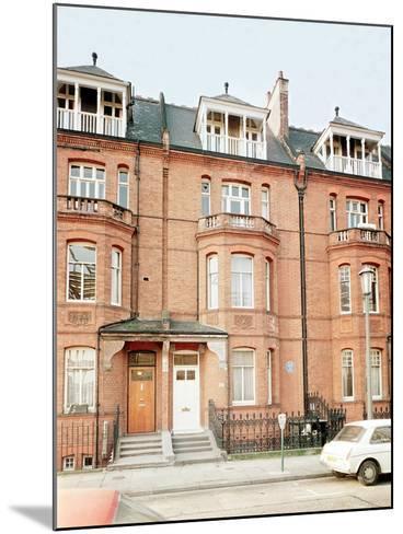 Oscar Wilde's House in Tite Street, Chelsea--Mounted Giclee Print