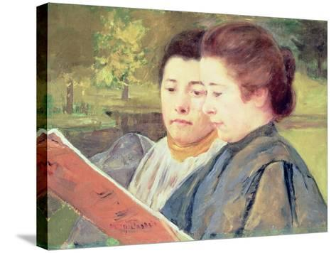 Women Reading-Mary Cassatt-Stretched Canvas Print
