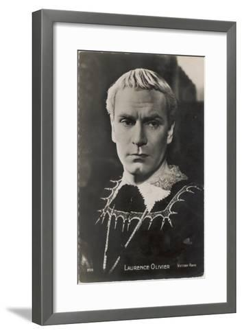 Sir Laurence Olivier in the Role of Hamlet for the Film Version--Framed Art Print
