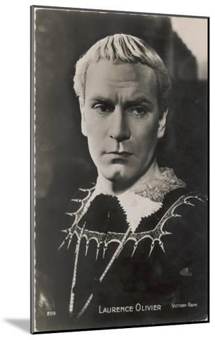 Sir Laurence Olivier in the Role of Hamlet for the Film Version--Mounted Giclee Print