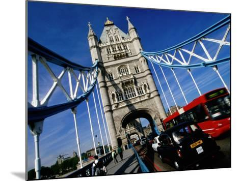 Tower Bridge, London, United Kingdom-Martin Moos-Mounted Photographic Print