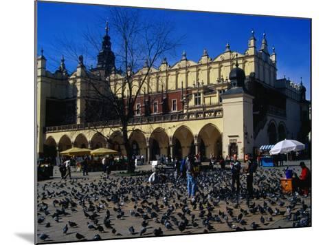 Sukiennice Arcaded Cloth Hall on Main Market Square, Krakow, Malopolskie, Poland-Krzysztof Dydynski-Mounted Photographic Print