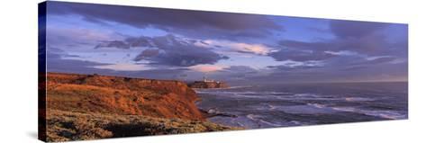 Waves Washing Up on Rocks, Pillar Point, San Mateo Coast, Princeton of the Sea, California, USA--Stretched Canvas Print