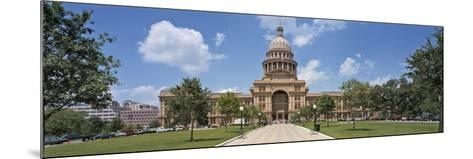 Facade of a Government Building, Texas State Capitol, Austin, Texas, USA--Mounted Photographic Print