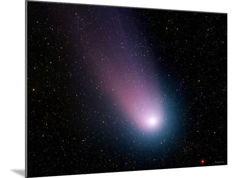 Comet C/2001 Q4 (NEAT)-Stocktrek Images-Mounted Photographic Print
