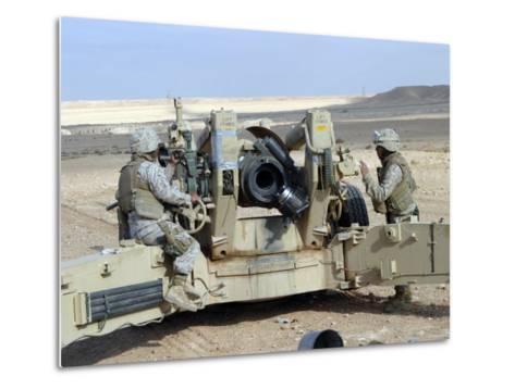 US Marines Prepare to Fire a Howitzer Near Baghdad, Iraq, January 6, 2007-Stocktrek Images-Metal Print
