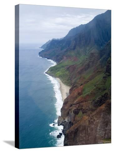 Na Pali, North Coast of the Island of Kauai, Hawaii, USA-Ethel Davies-Stretched Canvas Print