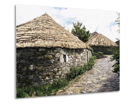 Rounded Thatched Pallozas of Celtic Origin, Cebreiro, Lugo Area, Galicia, Spain-Ken Gillham-Metal Print