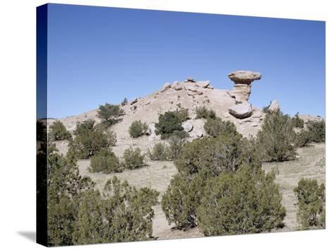 Camel Rock, Near Santa Fe, New Mexico, USA-Walter Rawlings-Stretched Canvas Print