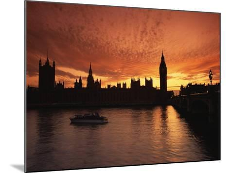 Sunset Over the Houses of Parliament, Unesco World Heritage Site, Westminster, London-Roy Rainford-Mounted Photographic Print
