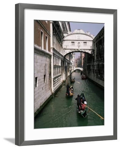 Bridge of Sighs and Gondolas, Venice, Veneto, Italy-Roy Rainford-Framed Art Print