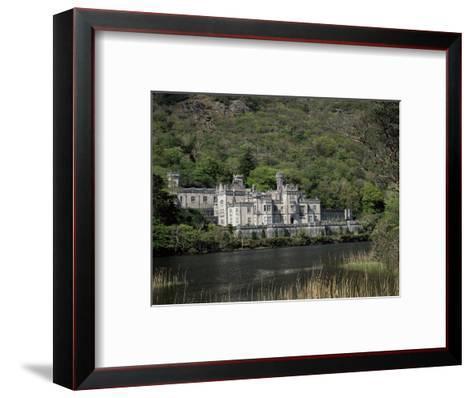 Kylemore Abbey, County Galway, Connacht, Eire (Republic of Ireland)-Roy Rainford-Framed Art Print