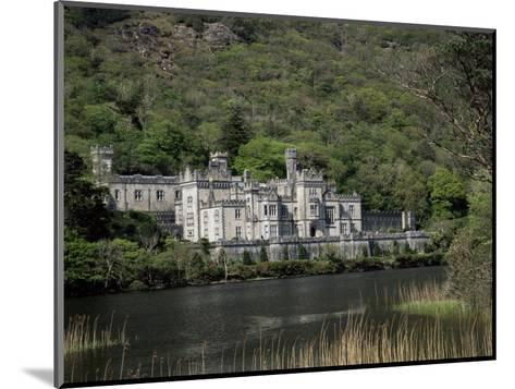 Kylemore Abbey, County Galway, Connacht, Eire (Republic of Ireland)-Roy Rainford-Mounted Photographic Print