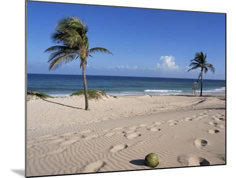 Santa Maria Del Mar, Cuba, West Indies, Central America-Mark Mawson-Mounted Photographic Print