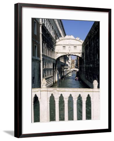 Bridge of Sighs Crossing Rio Del Palazzo, Venice, Veneto, Italy-Sergio Pitamitz-Framed Art Print