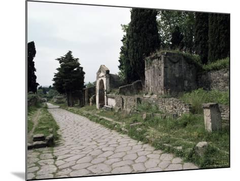 Via Dei Sepolchri, Pompeii, Unesco World Heritage Site, Campania, Italy-Christina Gascoigne-Mounted Photographic Print