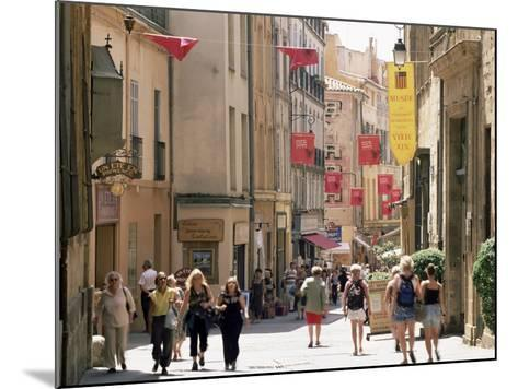 People in the Rue Gaston-De-Saporta, Aix-En-Provence, Bouches Du Rhone, Provence, France-Ruth Tomlinson-Mounted Photographic Print