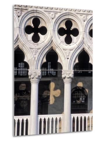 Italie, Venise / Italy, VenicePlace St. Marc, Doges Palace DetailDetail of the Doges Palace-Guy Thouvenin-Metal Print