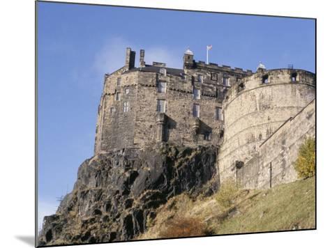 Edinburgh Castle, Edinburgh, Lothian, Scotland, United Kingdom-R H Productions-Mounted Photographic Print