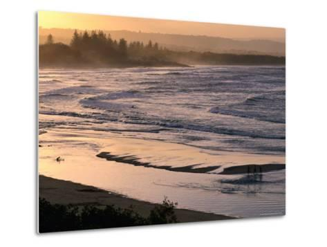 Sunset over Main Beach, Byron Bay, New South Wales, Australia-Michael Gebicki-Metal Print