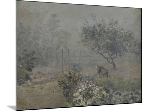 Fog in Voisins, c.1874-Alfred Sisley-Mounted Giclee Print