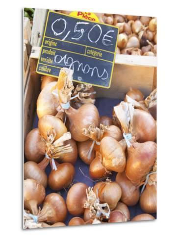 Onions at Market Stall, Bergerac, Dordogne, France-Per Karlsson-Metal Print