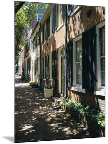 Captain's Row, Alexandria, Virginia, USA-Jonathan Hodson-Mounted Photographic Print