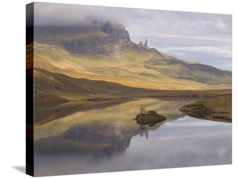 Loch Leathan, the Old Man of Storr, Isle of Skye, Inner Hebrides, West Coast, Scotland, UK-Gavin Hellier-Stretched Canvas Print