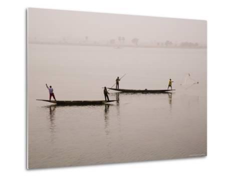 Fishing on the River Niger, Niger Inland Delta, Segou Region, Mali, West Africa, Africa-Gavin Hellier-Metal Print
