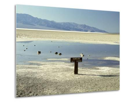 Badwater, Lowest Point in the U.S.A., Death Valley, California, United States of America (U.S.A.)-Gavin Hellier-Metal Print
