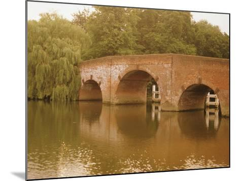 The 18th Century Sonning Bridge Over the River Thames Near Reading, Berkshire, England, UK-David Hughes-Mounted Photographic Print