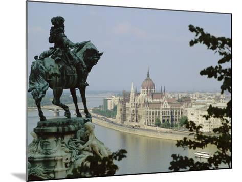 Budapest, Hungary-Julia Thorne-Mounted Photographic Print
