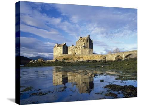 Eilean Donan Castle, Highlands, Scotland, UK-Roy Rainford-Stretched Canvas Print