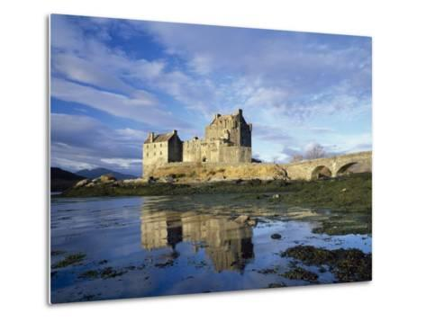 Eilean Donan Castle, Highlands, Scotland, UK-Roy Rainford-Metal Print