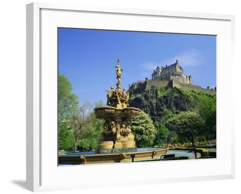 Edinburgh Castle, Edinburgh, Lothian, Scotland, UK, Europe-Roy Rainford-Framed Art Print