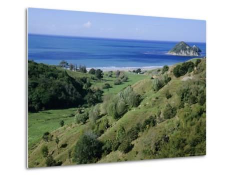 Beach and Coast, Tokomaru Bay, Gisborne, East Coast, North Island, New Zealand, Pacific-D H Webster-Metal Print