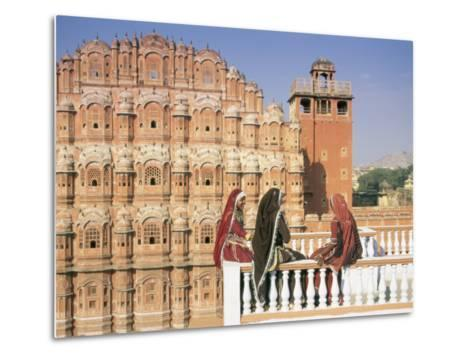 Women in Saris in Front of the Facade of the Palace of the Winds (Hawa Mahal), Jaipur, India-Gavin Hellier-Metal Print