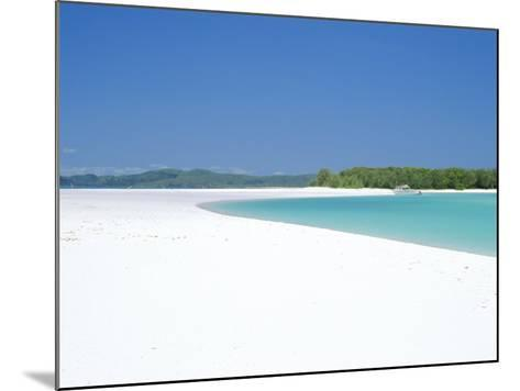 Whitehaven Beach on the East Coast, Whitsunday Island, Queensland, Australia-Robert Francis-Mounted Photographic Print