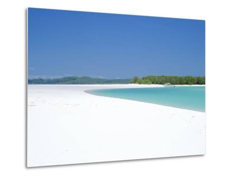 Whitehaven Beach on the East Coast, Whitsunday Island, Queensland, Australia-Robert Francis-Metal Print