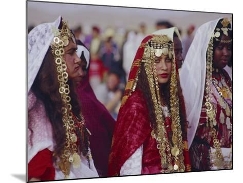 Traditional Berber Wedding, Tataouine Oasis, Tunisia, North Africa-J P De Manne-Mounted Photographic Print