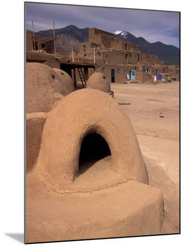 Oven in Taos Pueblo, Rio Grande Valley, New Mexico, USA-Art Wolfe-Mounted Photographic Print