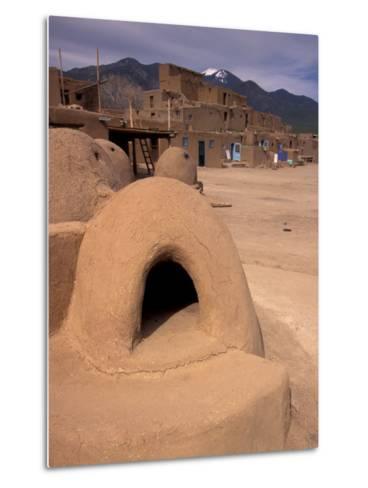 Oven in Taos Pueblo, Rio Grande Valley, New Mexico, USA-Art Wolfe-Metal Print