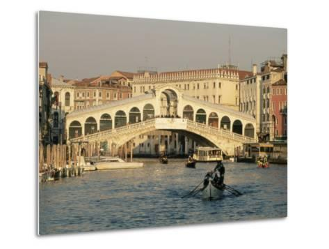 Rialto Bridge and the Grand Canal, Venice, Unesco World Heritage Site, Veneto, Italy, Europe-Sergio Pitamitz-Metal Print