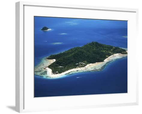 Castaway Island Resort, Mamanuca Islands, Fiji-David Wall-Framed Art Print